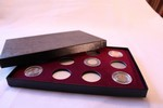 Display Box For 12 Coins in Airtite Capsules, 12 A Burgundy